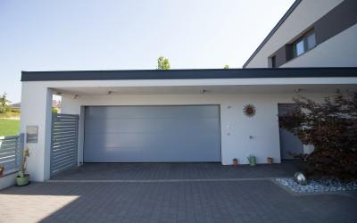 Garage eines Einfamilienhauses in Aschbach
